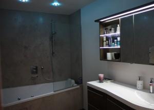 Badezimmer ohne Frabtupfer